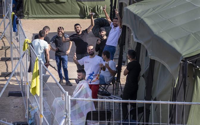 Leedusse viimastel nädalatel saabunud migrandid Pabrade põgenikelaagris.