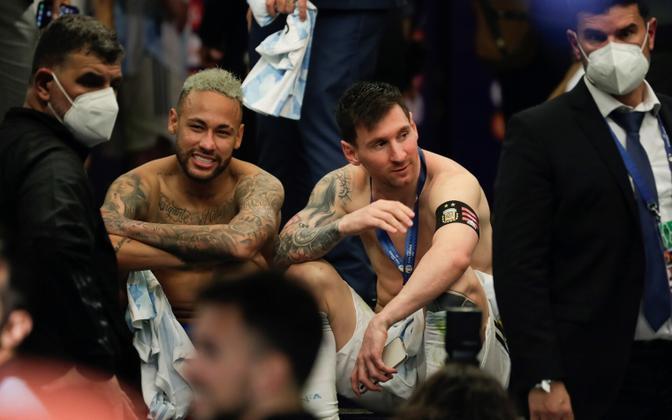 Neymar ja Messi peale Copa America finaali jutustamas