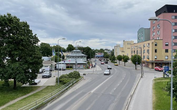 Vaade Nõmme keskusele Ehitajate tee jalakäijate sillalt.