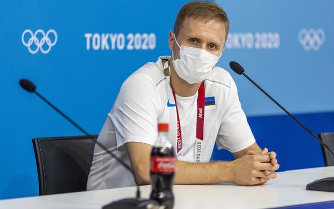 Raul Must Tokyo OM-i pressikonverentsil