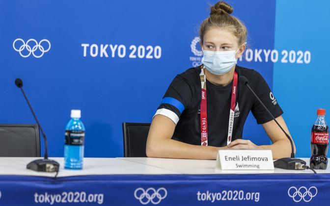 Энели Ефимова на пресс-конференции в Токио.