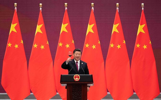 Hiina president Xi Jinping veini joomas