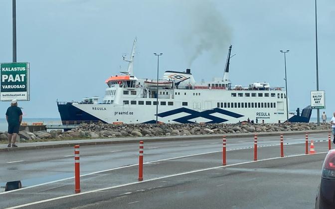 Ferry Regula.
