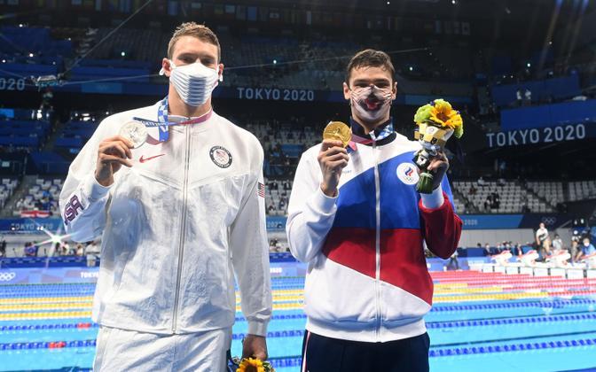 Ryan Murphy (vasakul) koos olümpiavõitja Jevgeni Rõloviga (paremal)