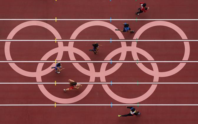 Naiste 100 m jooks Tokyo olümpiamängudel.
