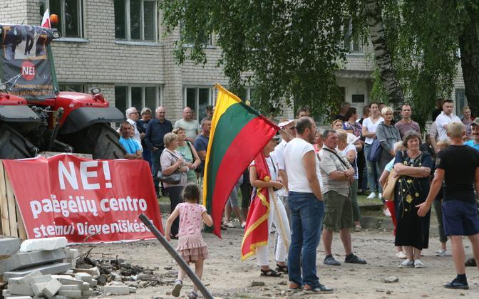 Põgenikelaagrite rajamine on Leedus mitmel pool esile kutsunud proteste ja meeleavaldusi.