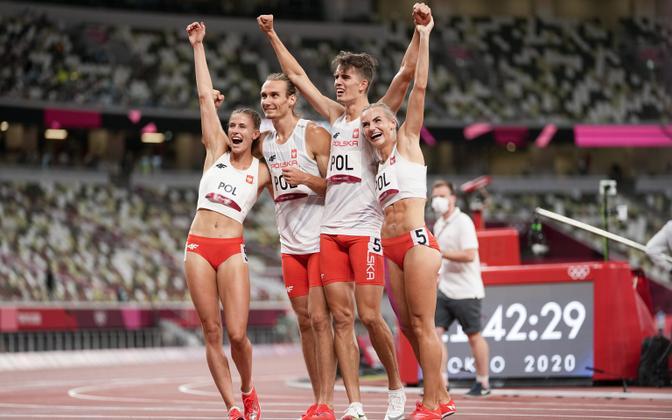 Poola võiduka 4 x 400 segateatevõistkond
