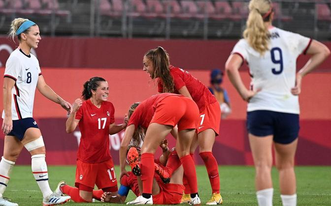 Kanada - USA Tokyo olümpiamängude naiste jalgpalliturniiril