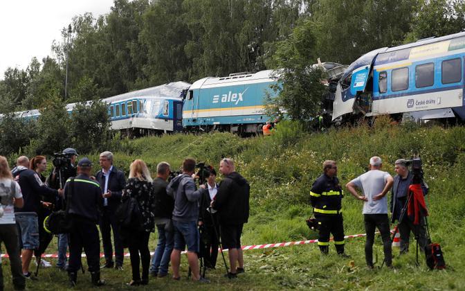 Два поезда столкнулись близ города Домажлице, Чехия.