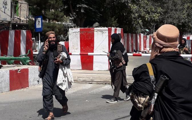 Talibani võitlejad äsja vallutatud Ghazni linnas.