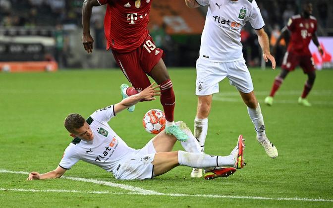 Bayerni ja Mönchengladbachi mängijad