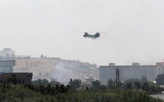 USA saatkonna evakuatsioon Kabulis suurte helikopteritega.