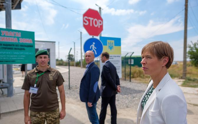 President Kersti Kaljulaid on the Crimean administrative border.