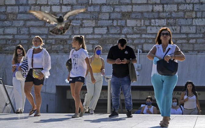 Reisijad väljumas metroojaamast Ateenas.