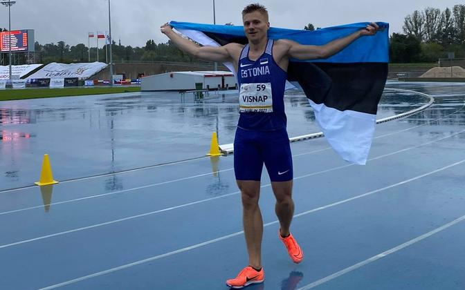 Tanel Visnap celebrating his win in a wet and cold Lublin.