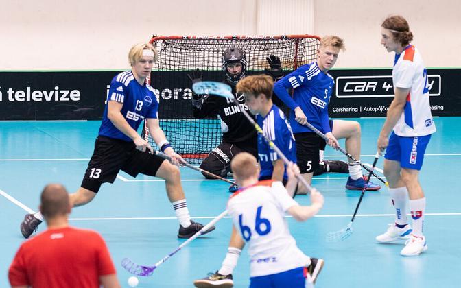 Eesti U-19 saalihokimeeskond pidi Slovakkia ülekaalukat paremust tunnistama.