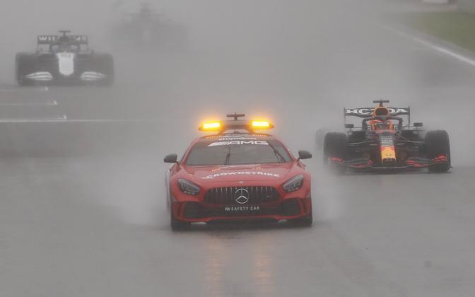 Belgia GP lõppes vihmase ilma tõttu vaid kahe ringi järel