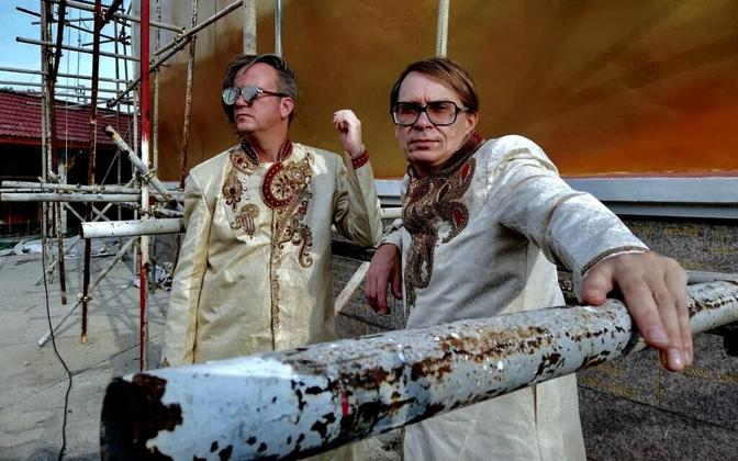 Üle Heli festivali viimase episoodi üks peaesinejaid Aparaaditehases on Jimi Tenorija Jori Hulkkoneni improduo Soomest.