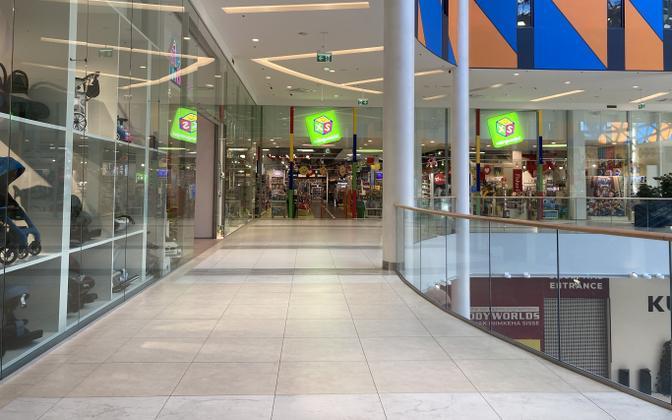 Большая часть торговых площадей торгового центра Т1 остаются пустыми.