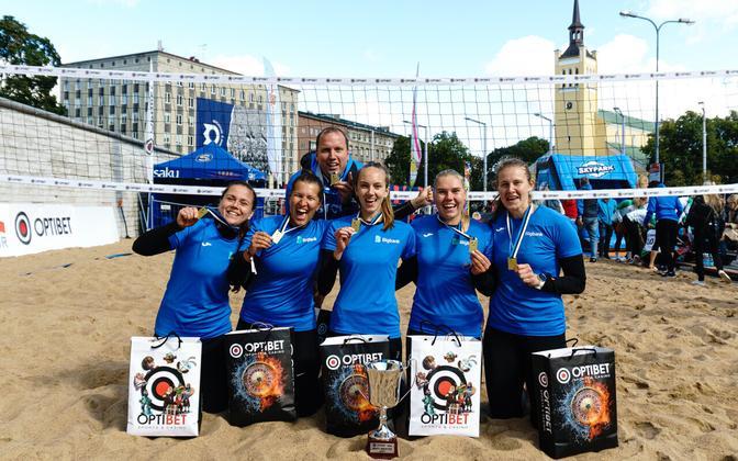 Tartu Ülikool/Bigbank tuli 4×4 rannavõrkpallis naiste Eesti meistriks.