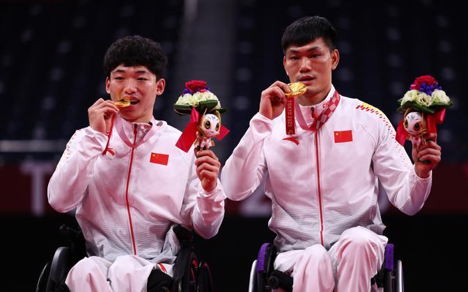 Paraolümpia viimasel päeval tõid Hiinale veel ühe kuldmedali sulgpallurid Qu Zimo ja Mai Jianpeng.