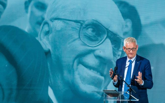 Former Prime Minister of Sweden Carl Bildt giving the Lennart Meri Lecture at the Lennart Meri Conference 2021.