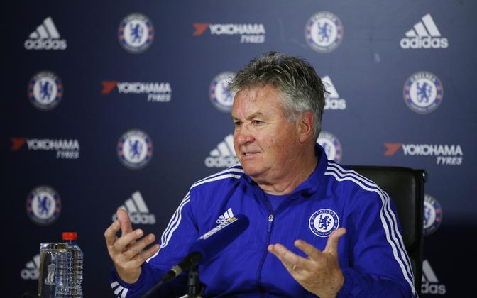 Guus Hiddink 2016. aastalLondoni Chelsea peatreenerina.