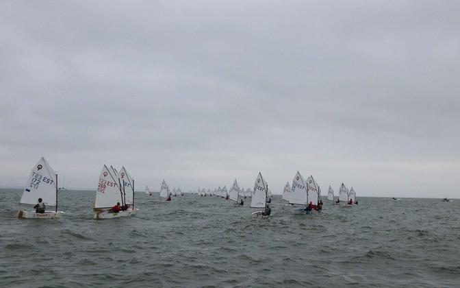 Optimist võistlusklass merel