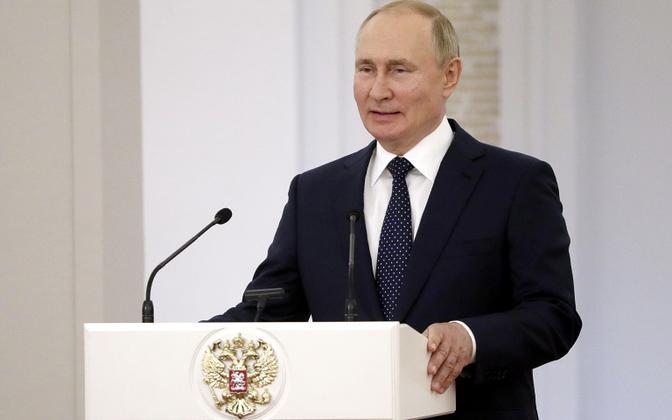 Vladimir Putin esmaspäevasel kohtumisel paralümplastega.