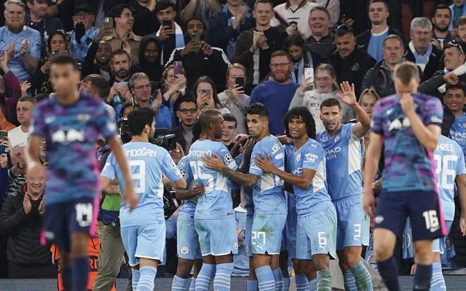 Manchester City mängijad tähistamas Gabriel Jesusi väravat