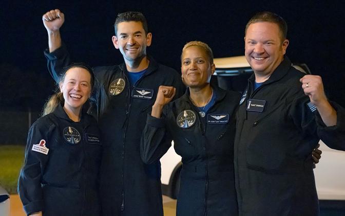 Компания SpaceX вернула на Землю участников Inspiration 4 — первой в истории космической миссии, среди членов экипажа которой не было профессиональных космонавтов.