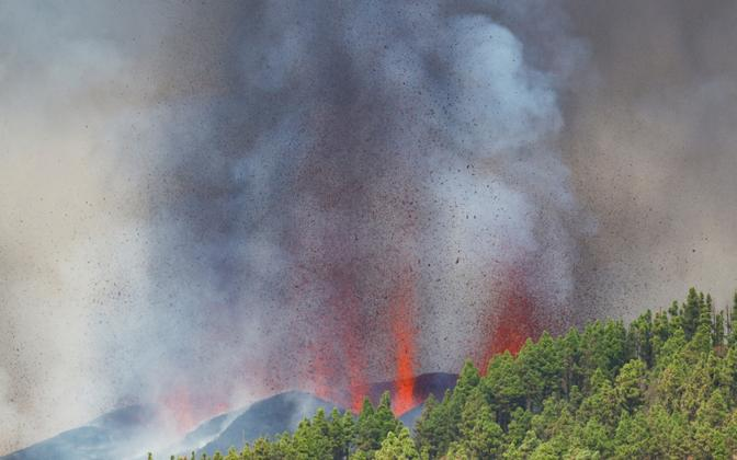La Palma saarel asuv vulkaan purskab peale 50-aastast pausi.