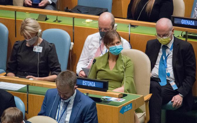 President Kersti Kaljulaid (in green) and Minister of Foreign Affairs Eva-Maria Liimets (in black) at a sitting of the UN General Assembly.