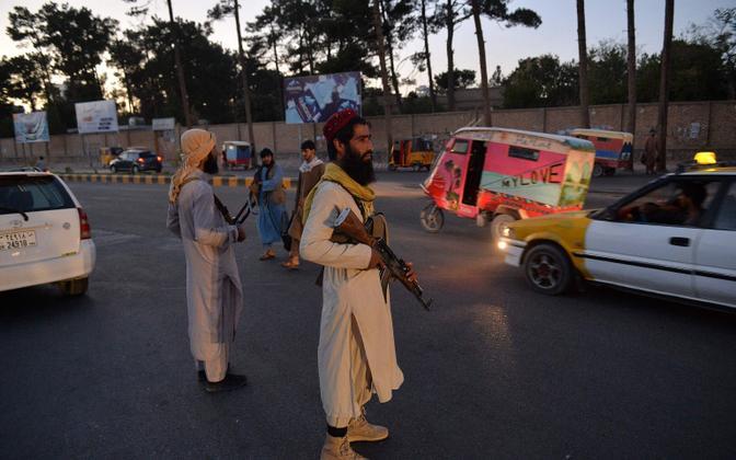Talibani võitlejad patrullimas