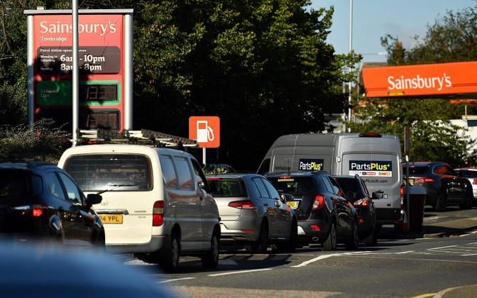 Kütuse tankimise järjekord Inglismaal.
