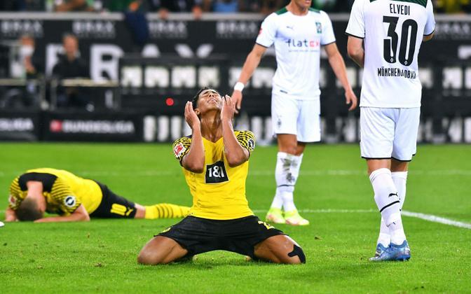 Dortmundi Borussia poolkaitsja Jude Bellingham (kollases)