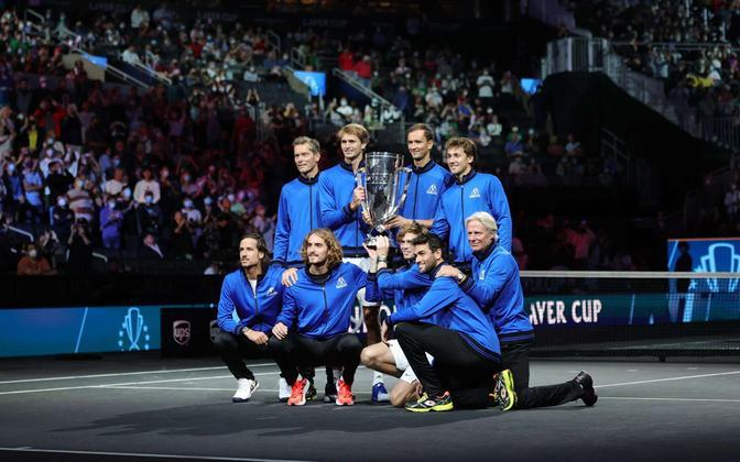 Euroopa võistkond Laver Cupi karikaga