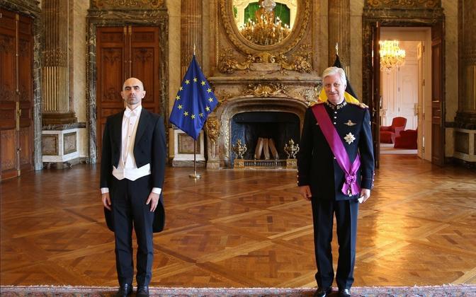 Eesti uus suursaadik Belgias Artur Kink andis üle volikirja belglaste kuningale Philippe'ile.