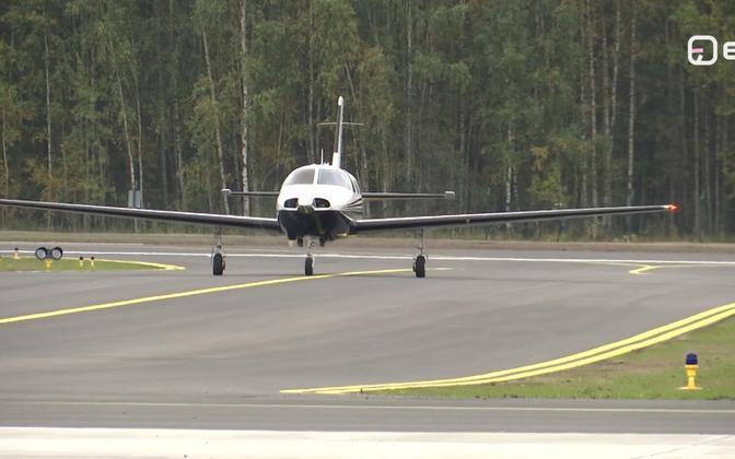 Взлетно-посадочная полоса в Пярнуском аэропорту.