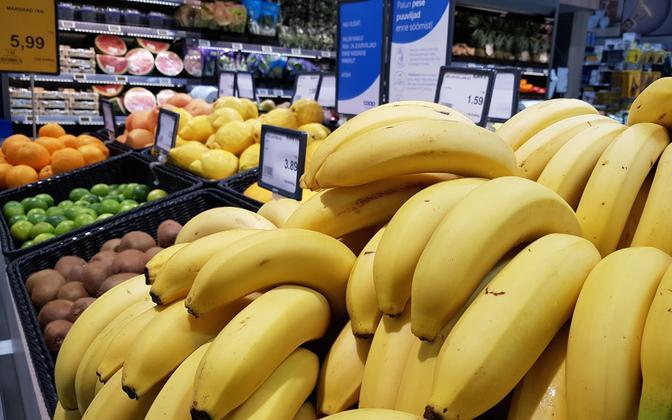 У продуктовых магазинов доходы от продаж выросли на 3%.