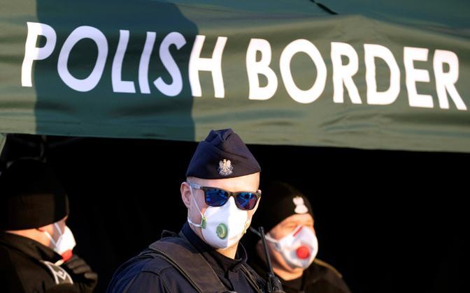 Poola piirivalvur Poola-Saksa piiril.