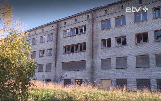 Abandoned dorm in Narva.