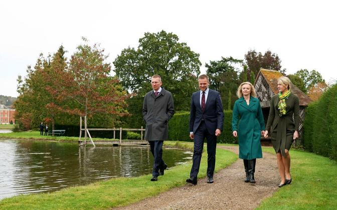 Liz Truss and the Baltic foreign ministers at Chevening on October 11.