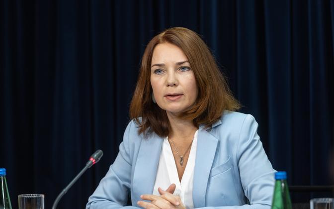 Keit Pentus-Rosimannus speaking at a press conference, October 13 2021.