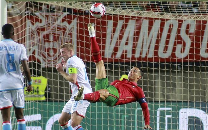 Cristiano Ronaldo (punases) kohtumises Luksemburgi vastu