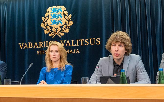 Kaja Kallas ja Tanel Kiik valitsuse pressikonverentsil