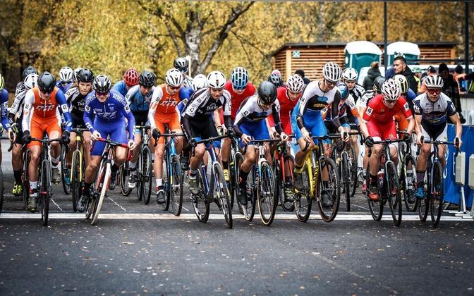 Ratturid 2020. aastal cyclo-crossi Eesti meistrivõistluste stardis.